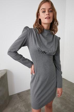 TRENDYOLMİLLA Gri Yaka Detaylı Elbise TWOAW21EL1595 1