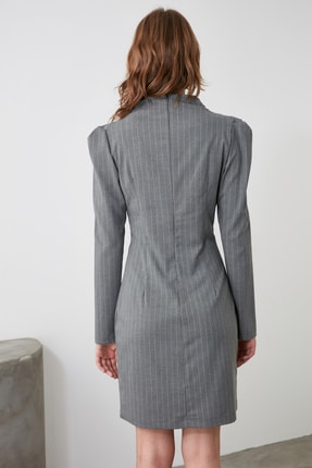 TRENDYOLMİLLA Gri Yaka Detaylı Elbise TWOAW21EL1595 4