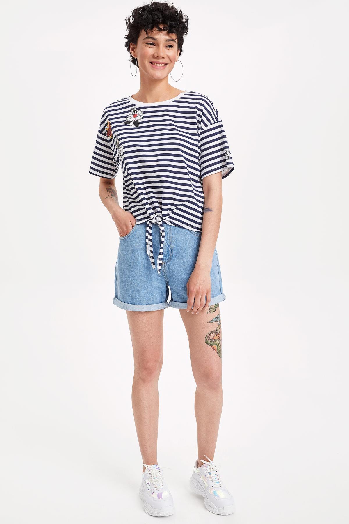 Defacto Kadın Çivit Mavisi Warner Bros Lisanslı Relax Fit T-shirt K9038AZ.19SM.IN95 1