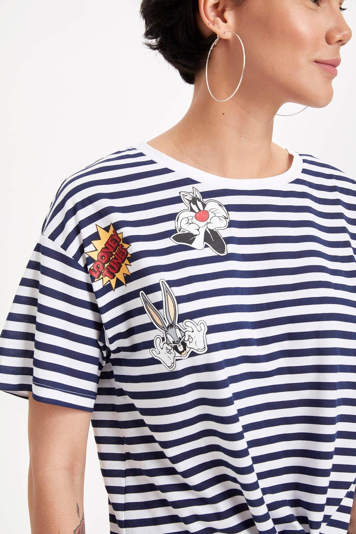 Defacto Kadın Çivit Mavisi Warner Bros Lisanslı Relax Fit T-shirt K9038AZ.19SM.IN95 2
