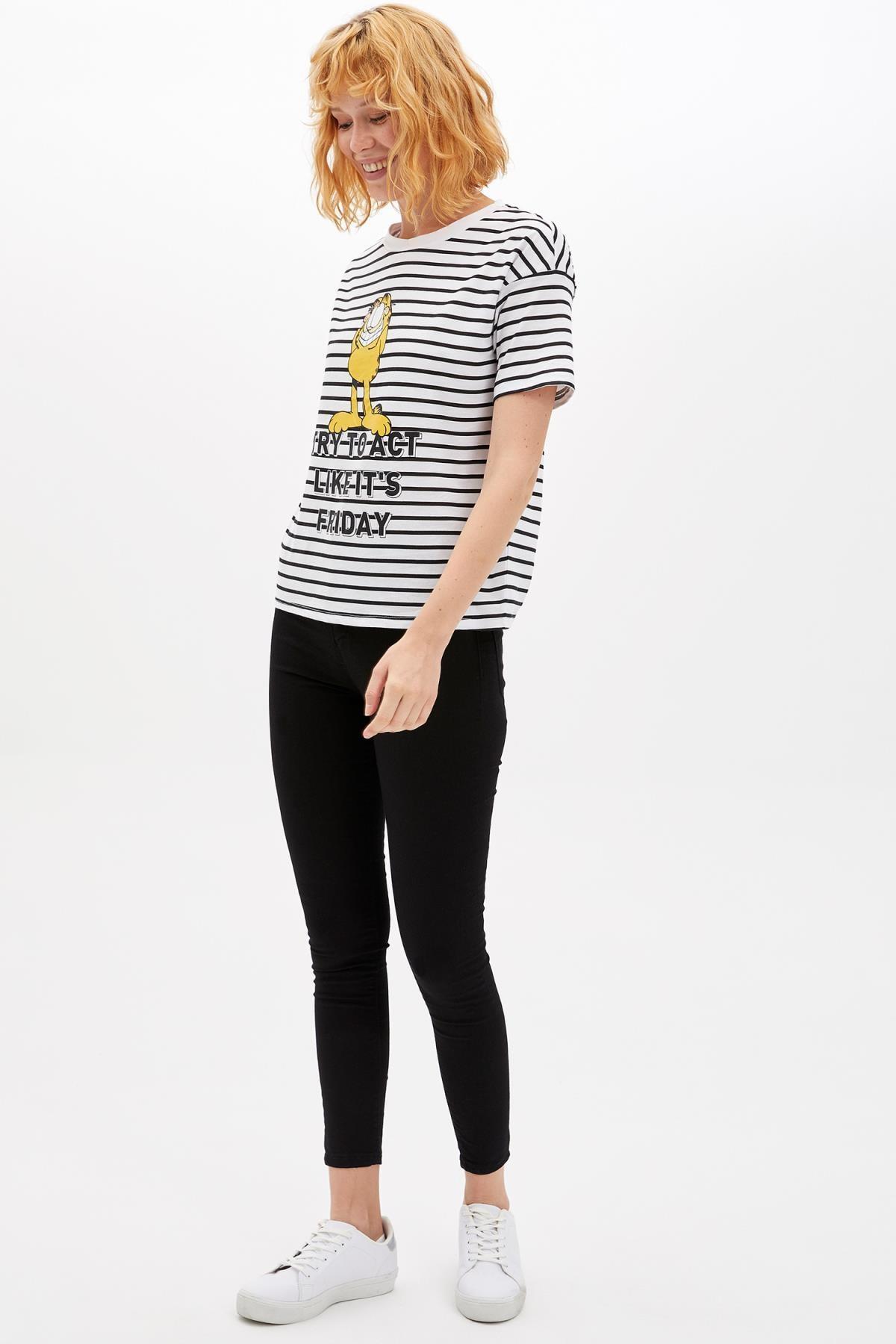 Defacto Kadın Beyaz Garfield Lisanslı Kısa Kollu T-shirt M2396AZ.19AU.WT34 1