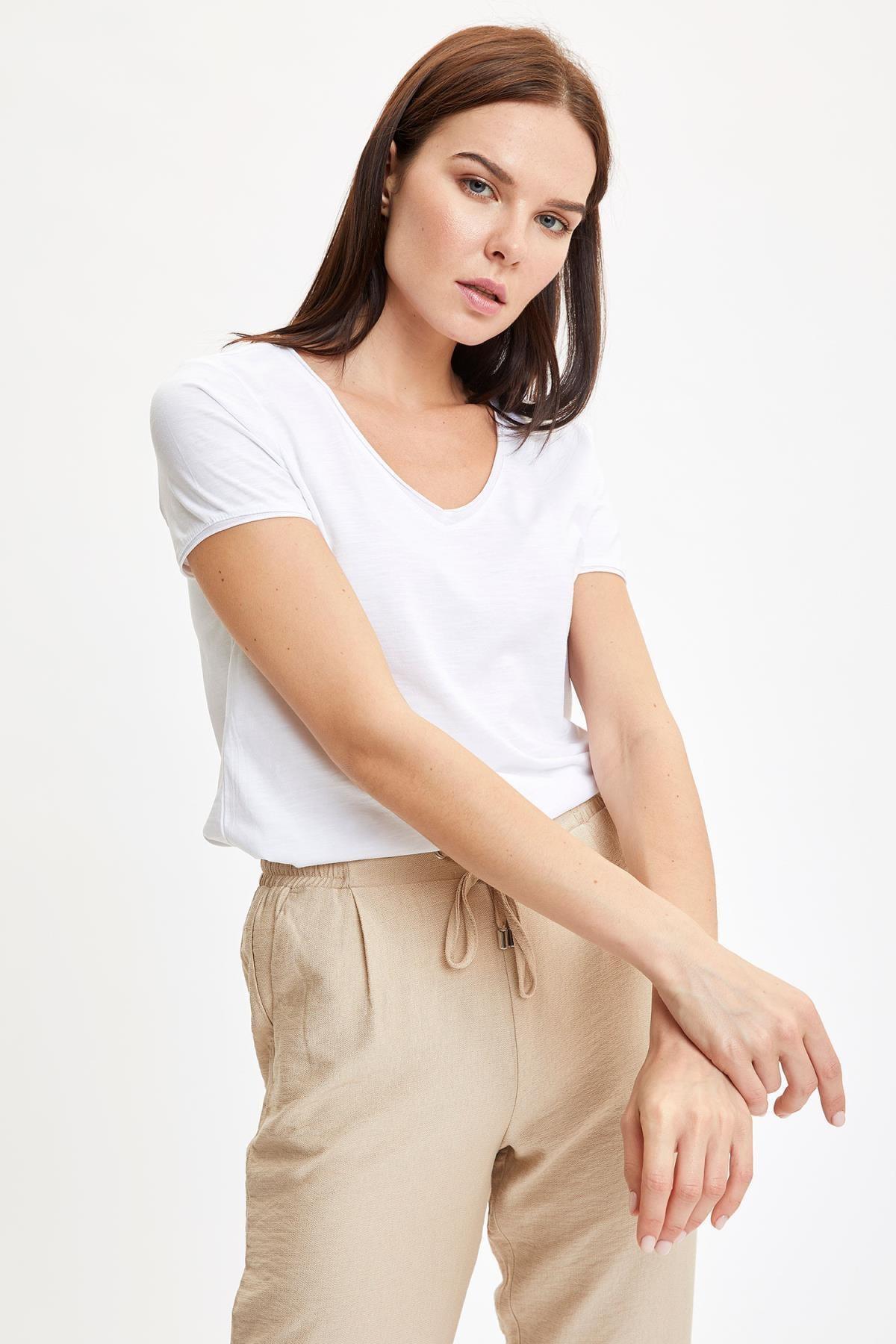 Defacto Kadın Beyaz V Yakalı Kısa Kollu T-Shirt K1507AZ.20SP.WT34 0