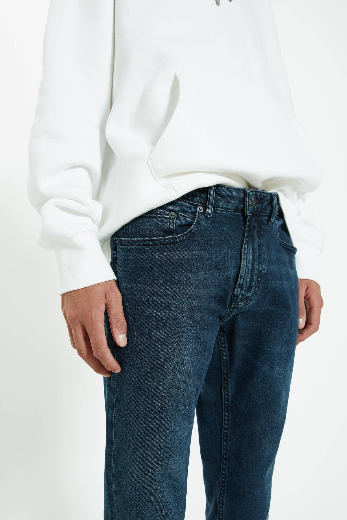 Pull & Bear Erkek Lavanta Rengi Distressed Detaylı Comfort Slim Fit Jean 09683533 4