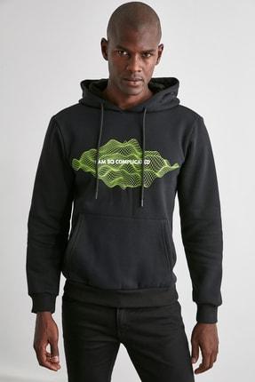 TRENDYOL MAN Siyah Erkek Baskılı Kapüşonlu Regular Sweatshirt TMNAW21SW0671 2