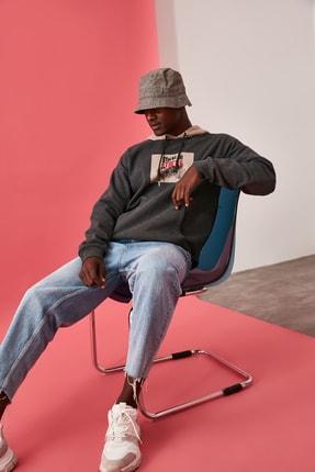TRENDYOL MAN Antrasit Erkek Lisanslı Oversize Sweatshirt 0