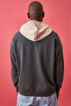 TRENDYOL MAN Antrasit Erkek Lisanslı Oversize Sweatshirt 1