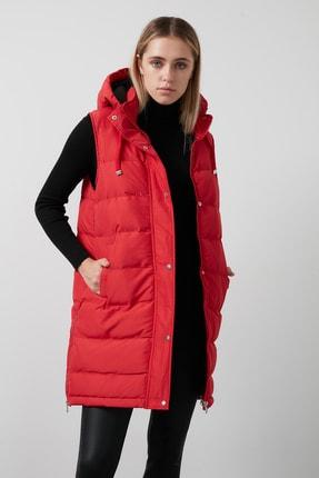 Lela Kadın Kırmızı Kapüşonlu Cepli Yanları Fermuar Detaylı Uzun Yelek 497moana 2