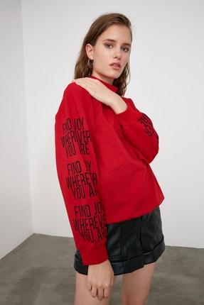 TRENDYOLMİLLA Kırmızı Baskılı Dik Yaka Örme Sweatshirt TWOAW21SW0773 2