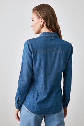 TRENDYOLMİLLA Mavi Cep Detaylı Denim Gömlek TWOSS20GO0326 4