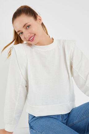 OFLEE Kadın Beyaz Omuzları Detaylı Kısa Sweatshirt 1