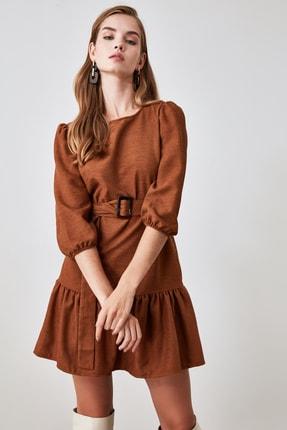 TRENDYOLMİLLA Kahverengi Kemerli Kadife Elbise TWOAW21EL0952 2