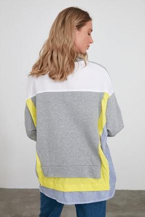 TRENDYOLMİLLA Gri Renk Bloklu Salaş Örme Sweatshirt TWOSS20SW0087 3