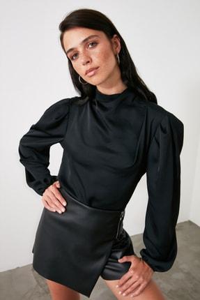 TRENDYOLMİLLA Siyah Yaka Detaylı Bluz TWOAW21BZ1308 3