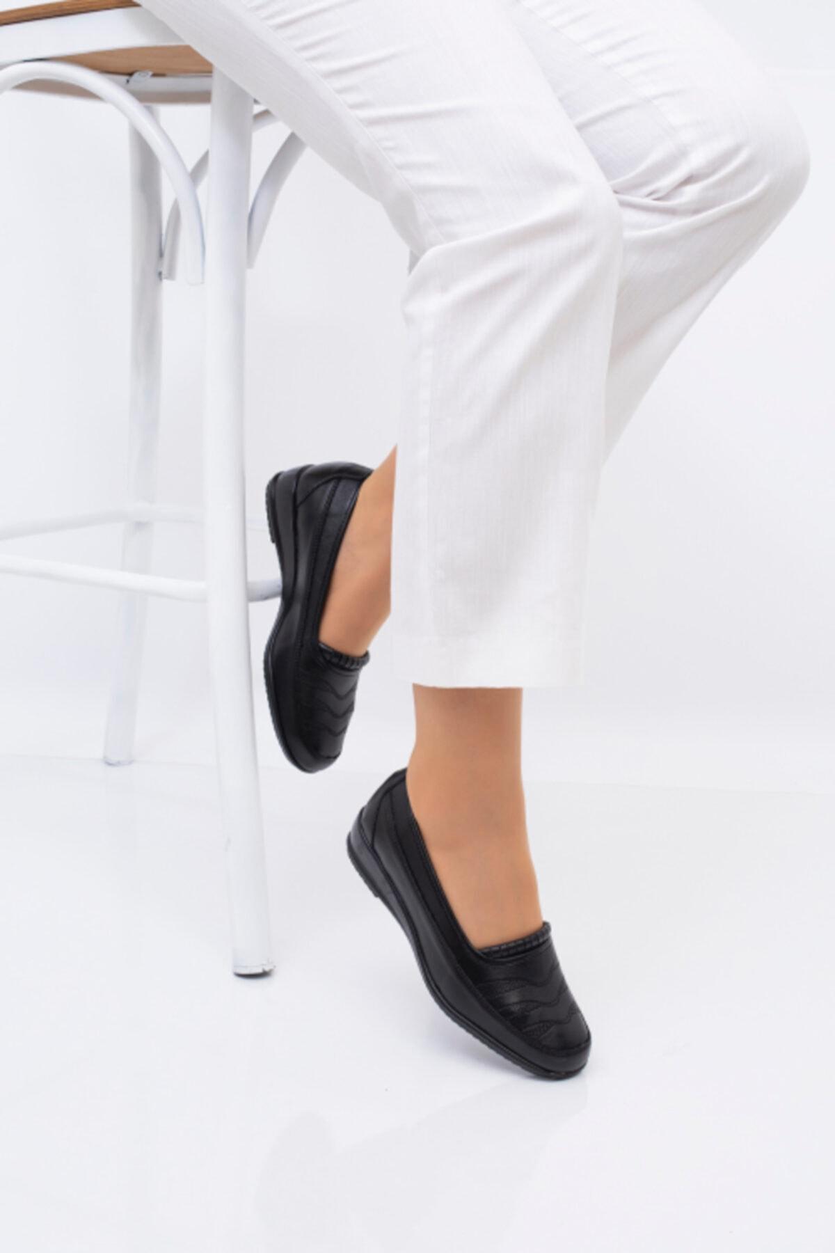 Ayakkabı Bahçesi Kadın Siyah Tam Ortopedik Ayakkabısı
