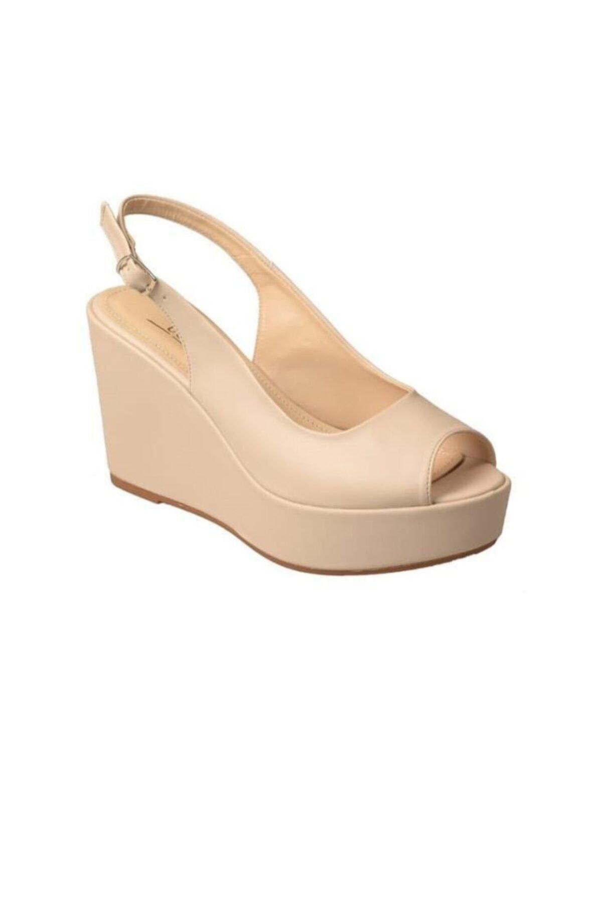 Kadın Bej Bilek Bağlamalı Dolgu Topuklu Sandalet