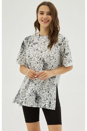 Pattaya Kadın Beyaz Yırtmaçlı Oversize Kısa Kollu Tişört P21s201-2121 1