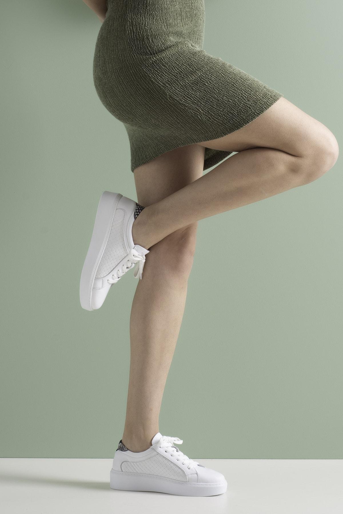 Kadın Beyaz Hakiki Deri Hasır Baskı Sneaker Ayakkabı