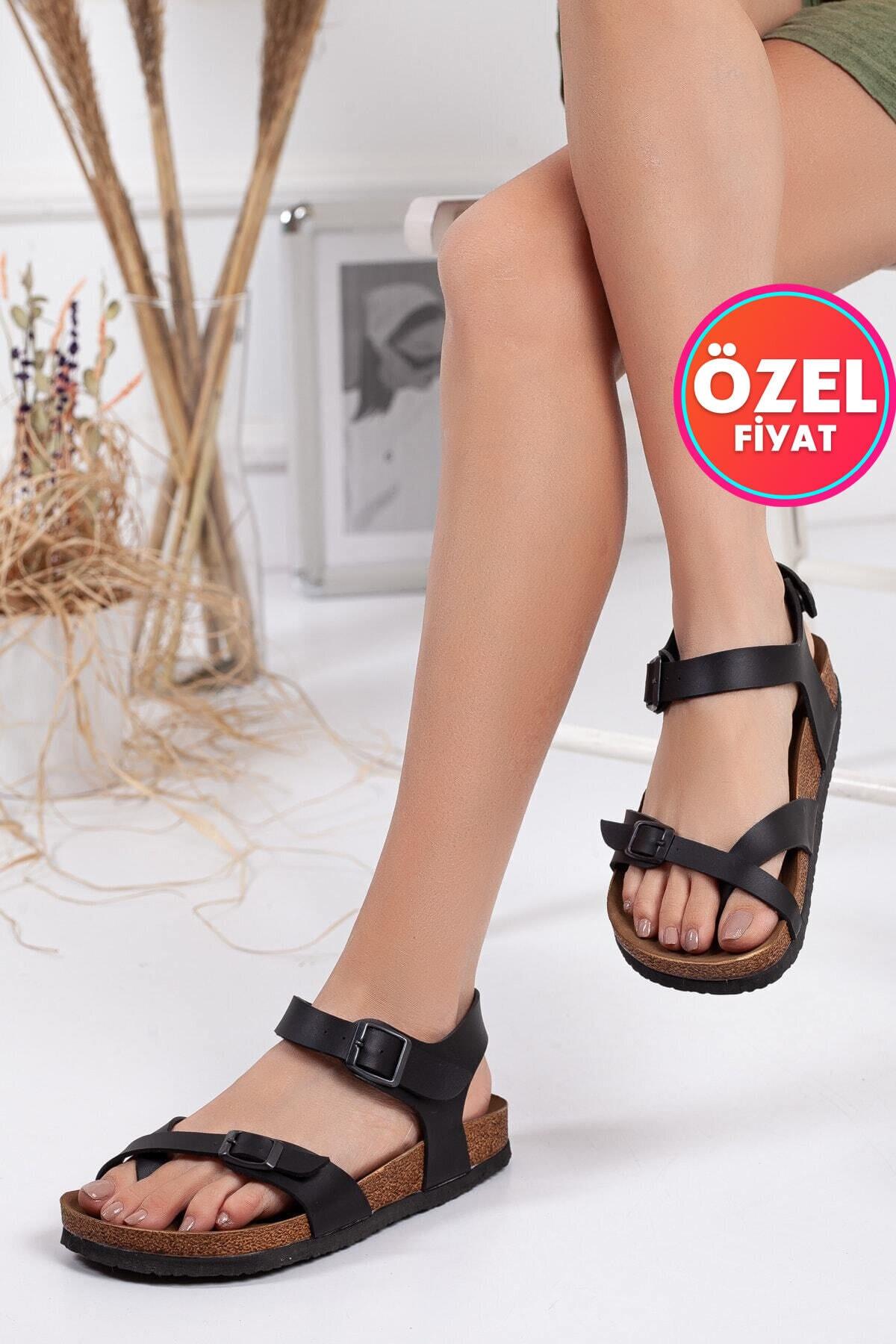 Kadın Siyah Çift Tokalı Sandalet