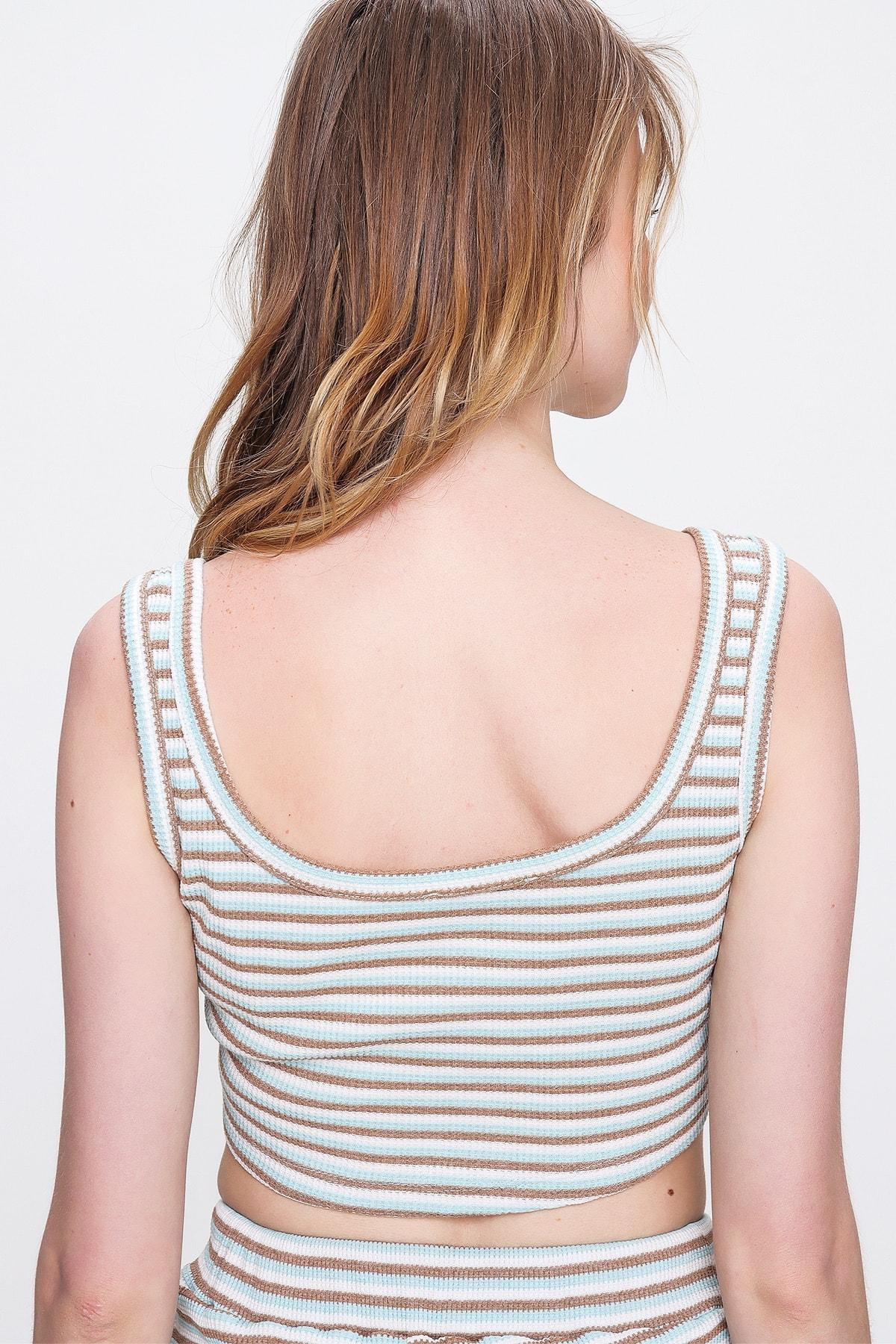 Trend Alaçatı Stili Kadın Mint Önü Çıtçıtlı Çizgili Crop Bluz ALC-X6382
