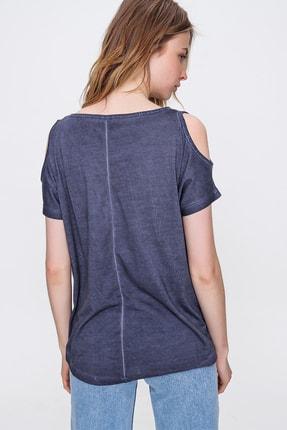 Trend Alaçatı Stili Kadın Lacivert Omuz Dekolteli Kayık Yaka Yıkamalı Bluz MDA-1165 2