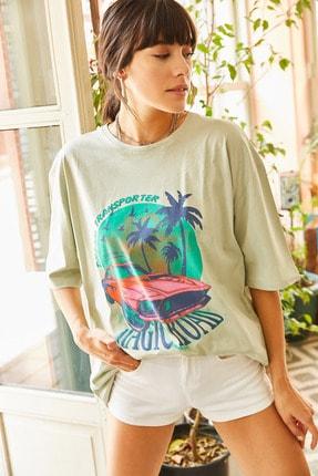 Olalook Kadın Yeşil Magic Road Baskılı Oversize Tişört TSH-19000513 2