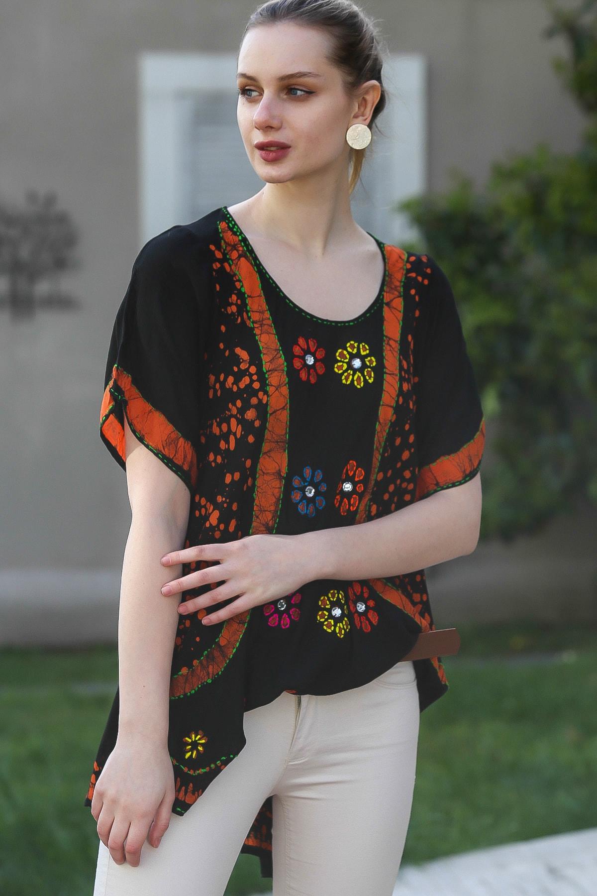 Chiccy Kadın Siyah U Yaka Çiçek Nakışlı Batik Desenli Salaş Tunik Bluz M10010200BL95380 2
