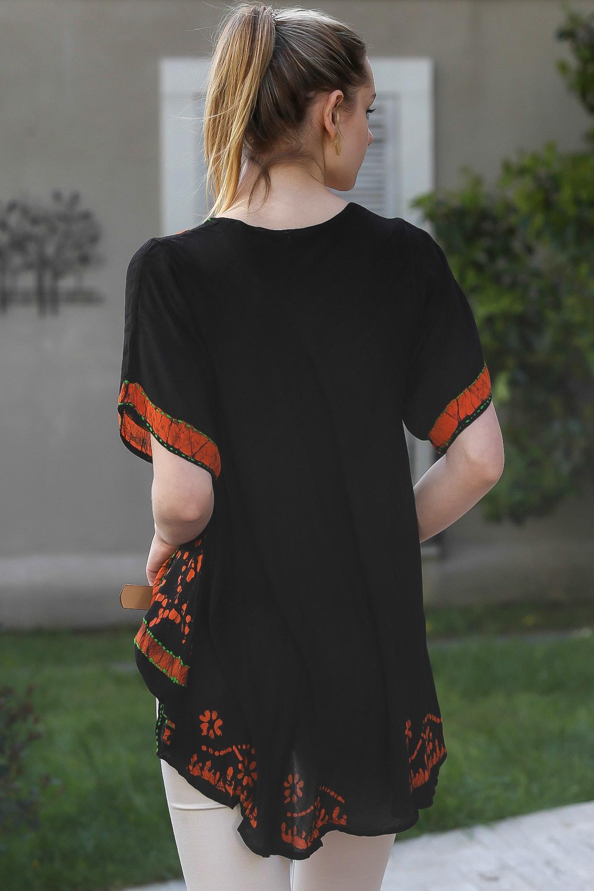 Chiccy Kadın Siyah U Yaka Çiçek Nakışlı Batik Desenli Salaş Tunik Bluz M10010200BL95380 4