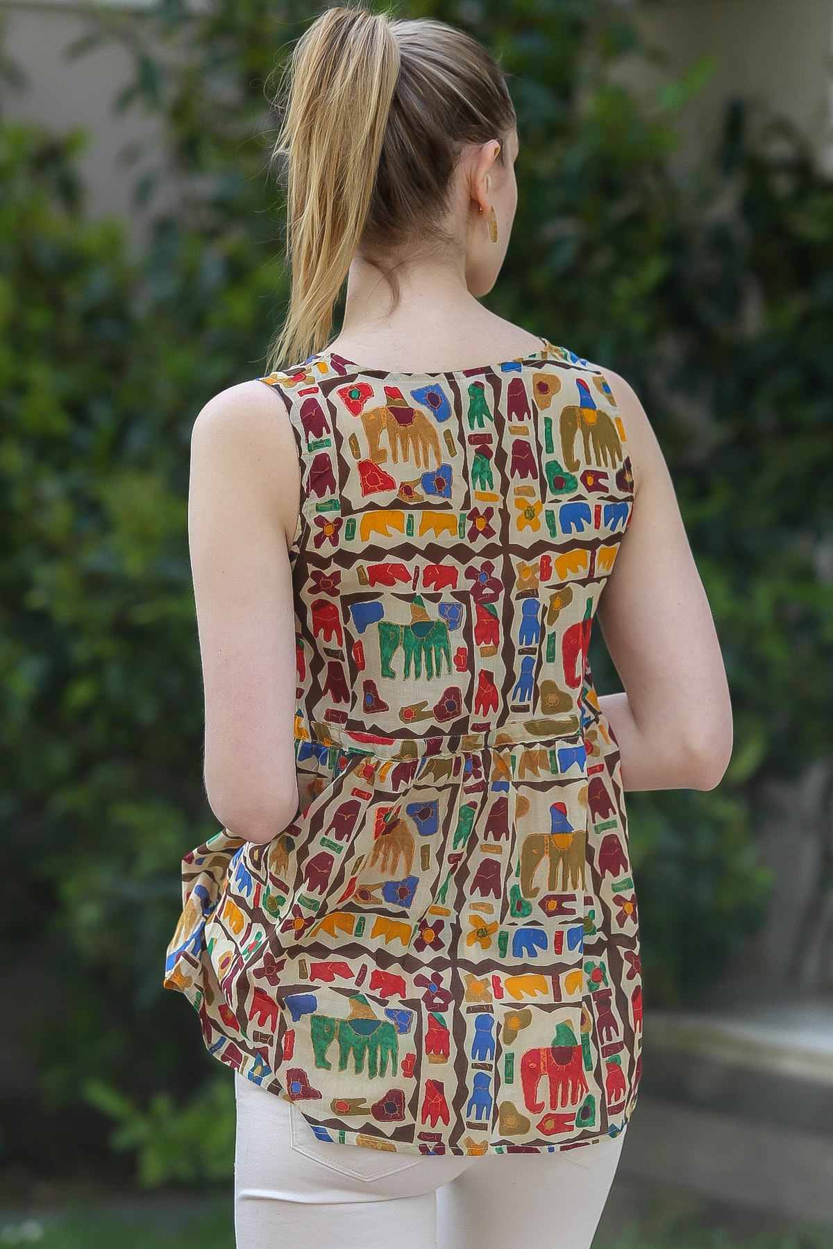 Chiccy Kadın Bej Sıfır Yaka Kolsuz Robası Büzgülü Fil Desenli Dokuma Bluz M10010200BL95381 4
