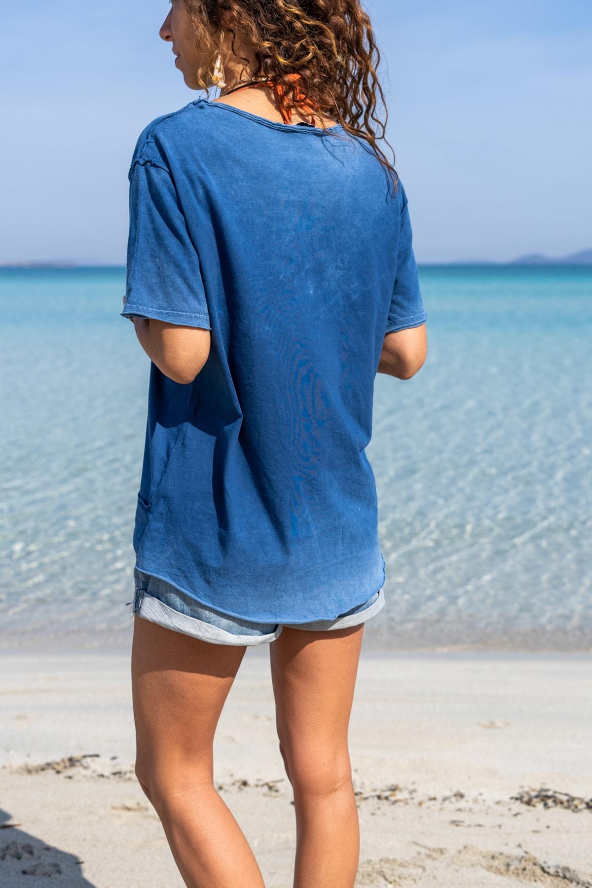 Güneşkızı Kadın İndigo Yıkamalı Yırtıklı İşlemeli T-Shirt GK-CCK58052 1