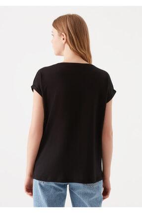 Mavi Cepli Siyah Basic Tişört 3