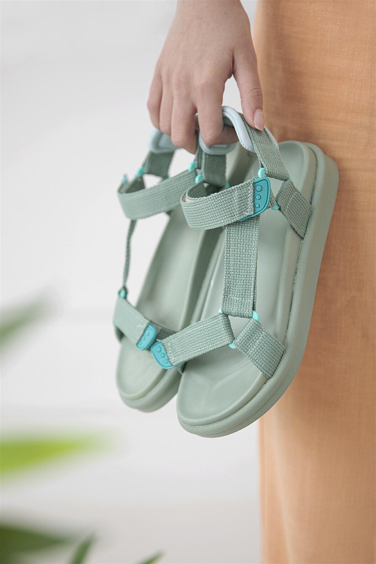 Kadın Yeşil Romeo Cırt Detay Günlük Sandalet