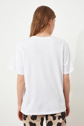 TRENDYOLMİLLA Beyaz Baskılı Boyfriend Örme T-Shirt TWOSS20TS0755 3