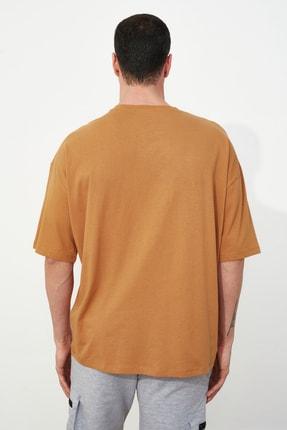 TRENDYOL MAN Camel Erkek Kısa Kollu Oversize Fit Baskılı T-Shirt TMNSS21TS1075 3