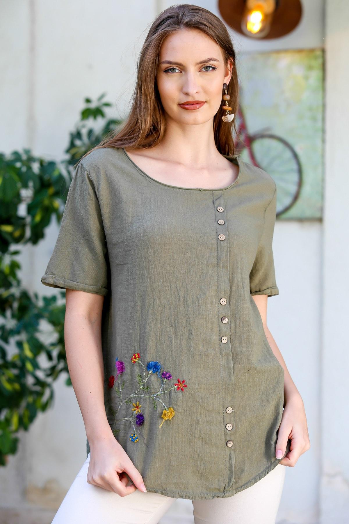 Kadın Haki Çiçek Buketi 3D Nakışlı Düğme Detaylı Salaş Dokuma Bluz M10010200BL95280
