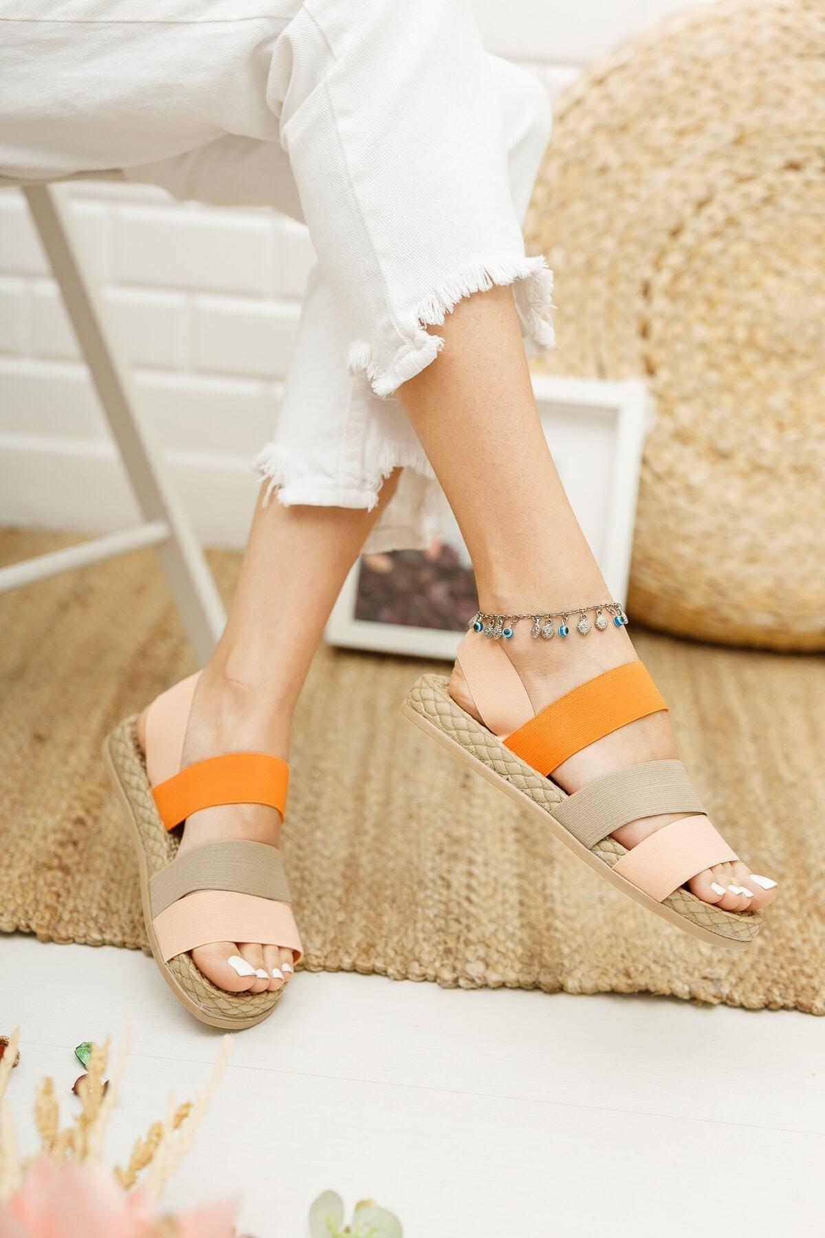 Kadın Pembe Lastikli Sandalet