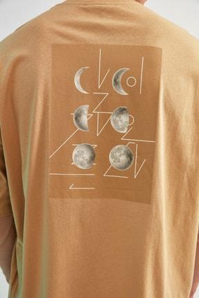 TRENDYOL MAN Bej Erkek Kısa Kollu Sırt Baskılı Oversize T-Shirt TMNSS21TS0617 4
