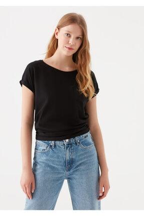Mavi Cepli Siyah Basic Tişört 1