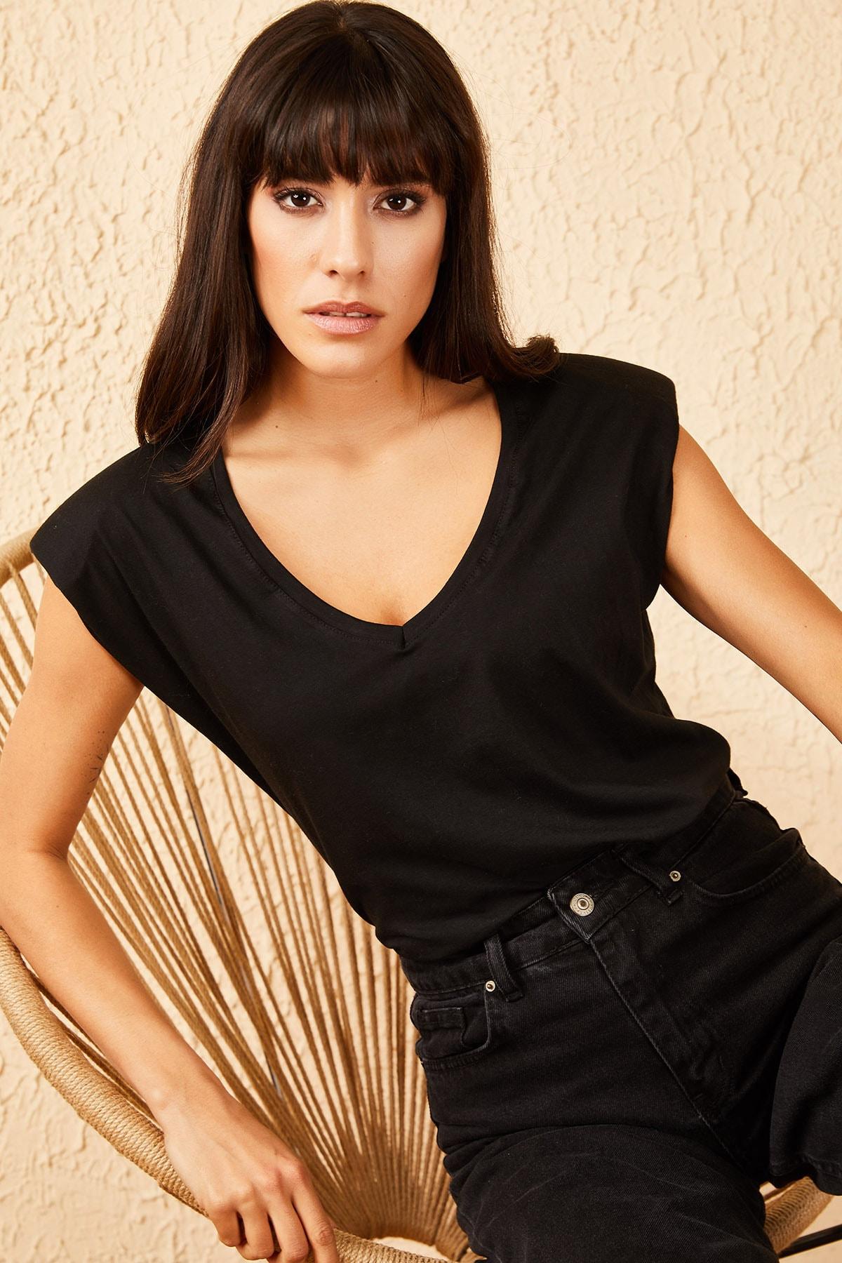 Kadın V Yaka Vatkalı Tshirt 30011050