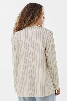 Bershka Kadın Kirli Beyaz Dökümlü Düğmeli Blazer 06074644 2