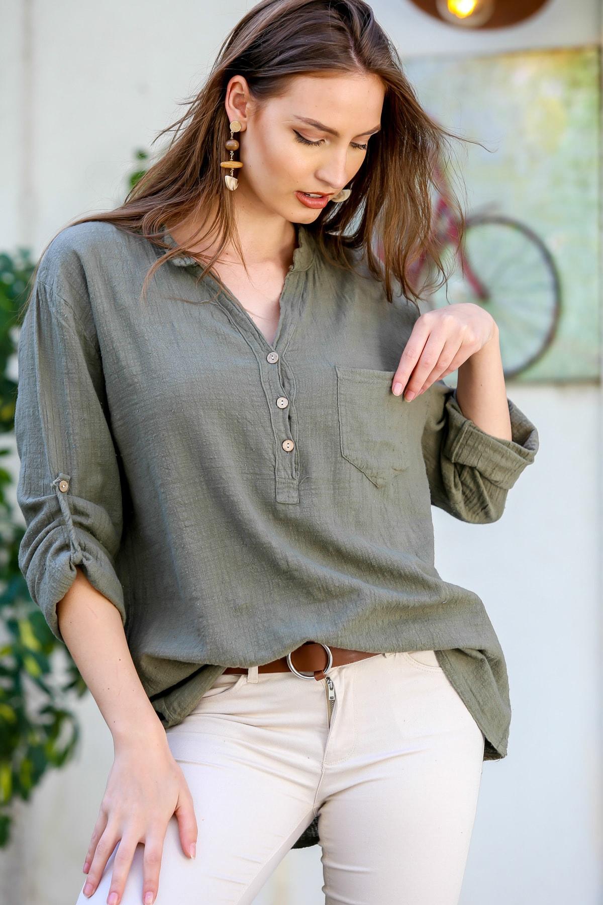 Kadın Haki Patı Düğme Detaylı Cepli Kolları Ayarlı Dokuma Bluz M10010200BL95313