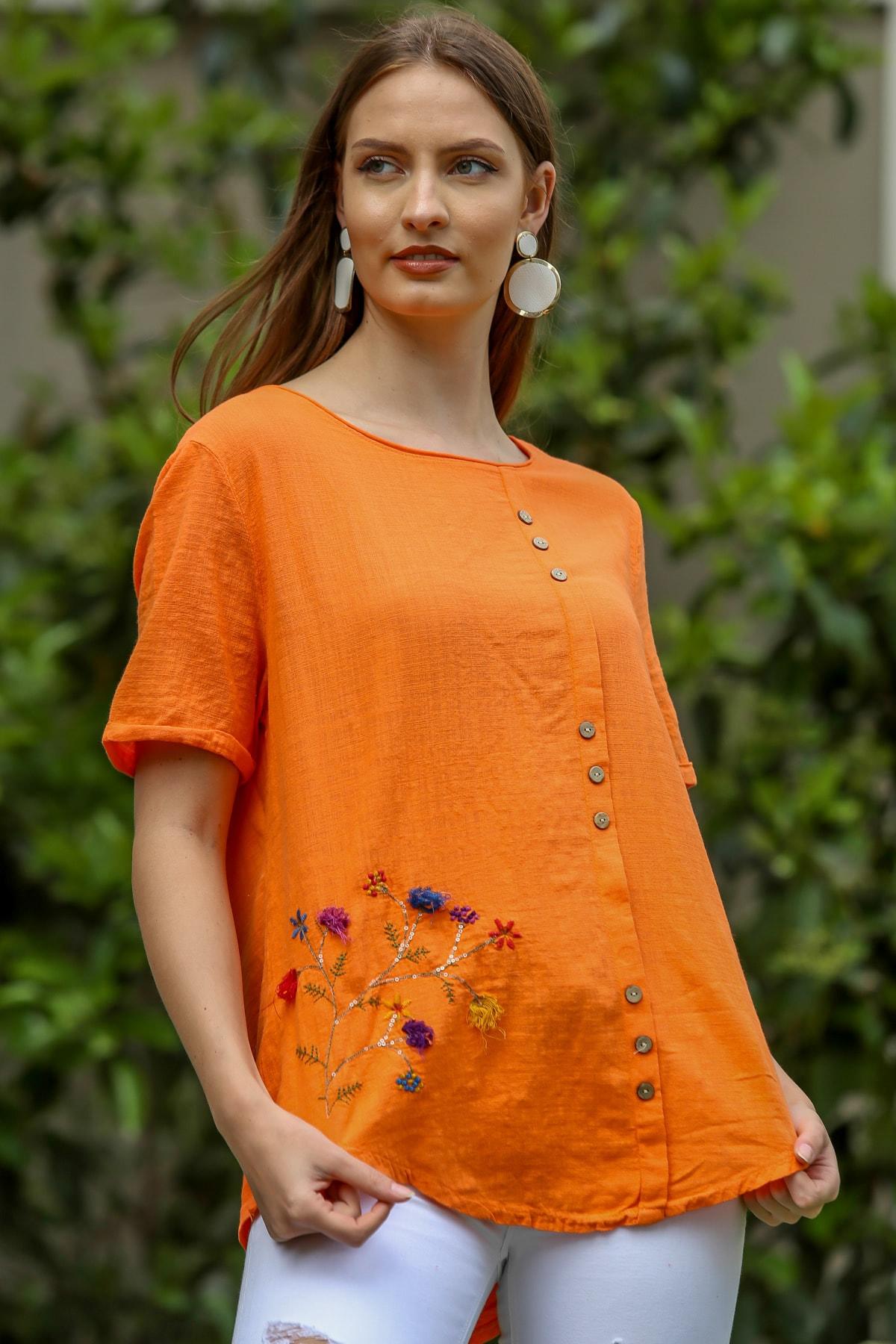 Kadın Turuncu Çiçek Buketi 3D Nakışlı Düğme Detaylı Salaş Dokuma Bluz M10010200BL95280