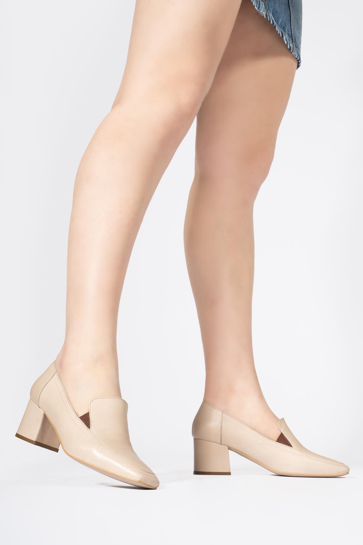 Kadın Bej Hakiki Deri Günlük Ayakkabı Küt Burun Klasik Düz Makosen