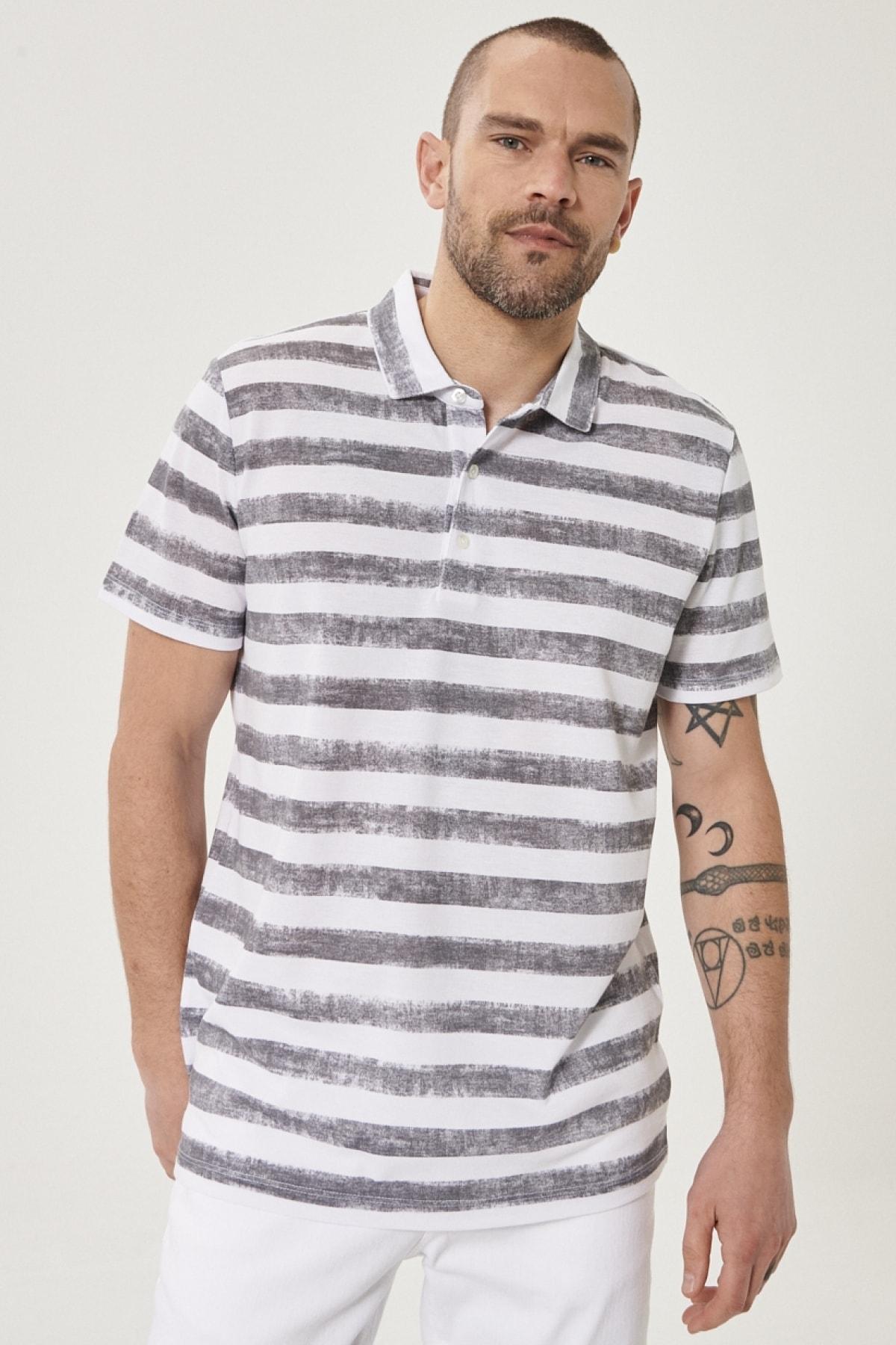 Erkek Beyaz-Gri Polo Yaka Cepsiz Slim Fit Dar Kesim Desenli Tişört