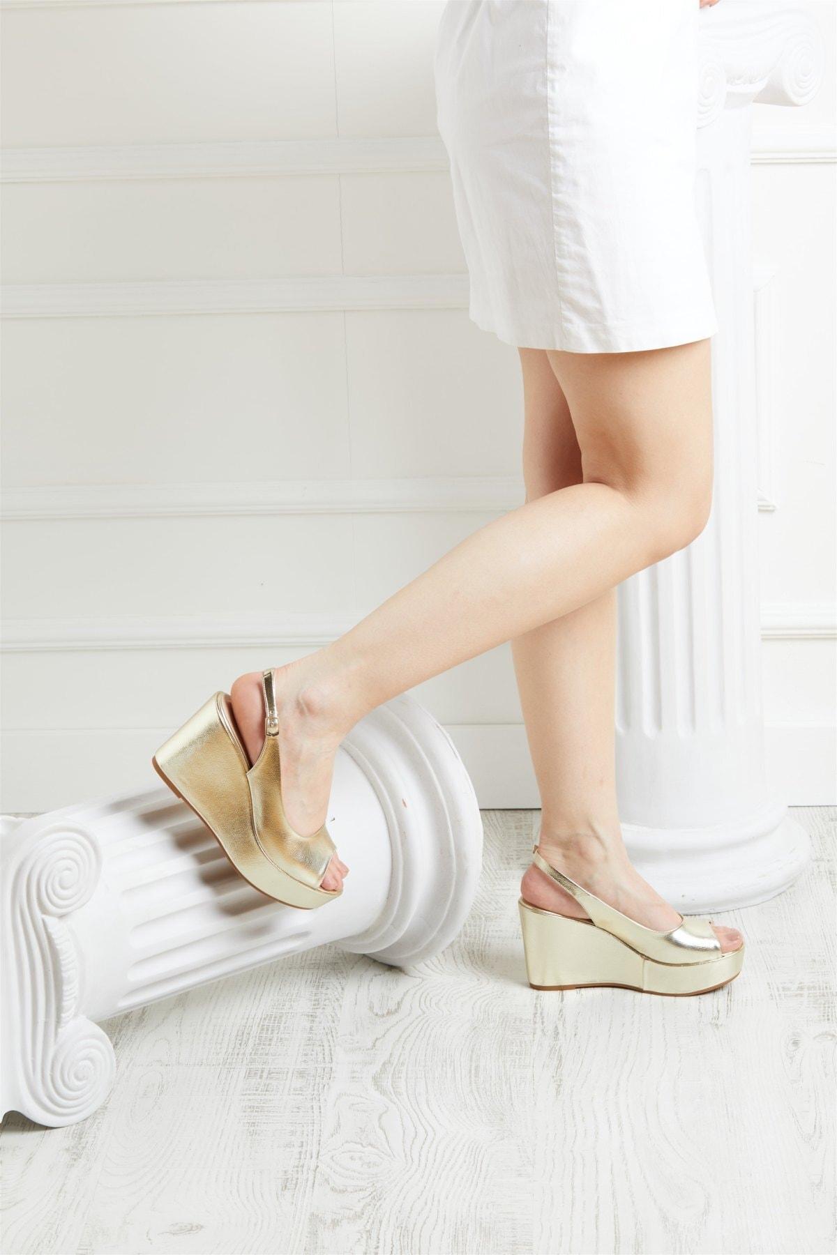 Kadın Gold Kırık Rugan Kadın Dolgu Topuklu Ayakkabı