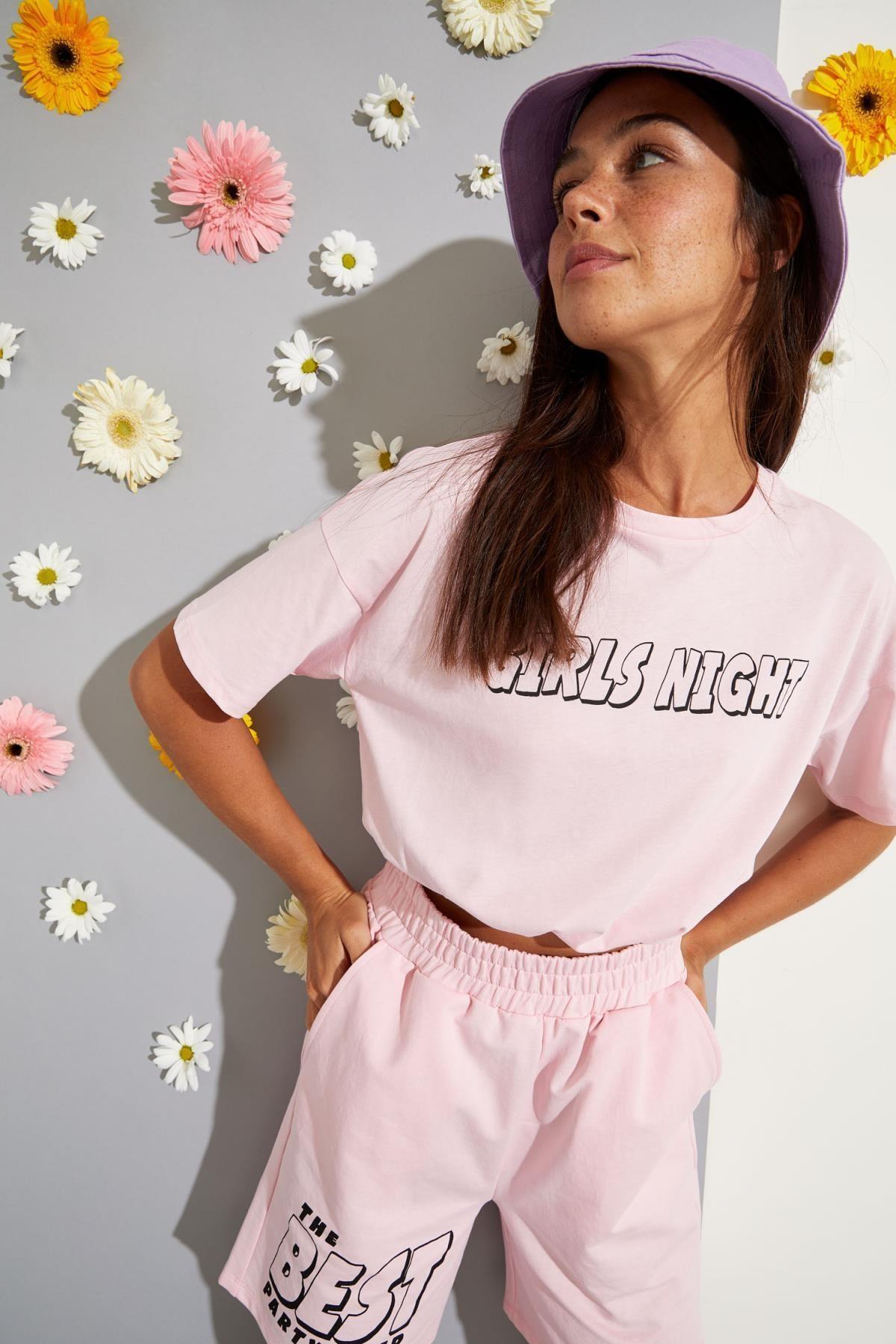 Kadın Pembe Slogan Baskılı Beli Lastikli Crop Tişört
