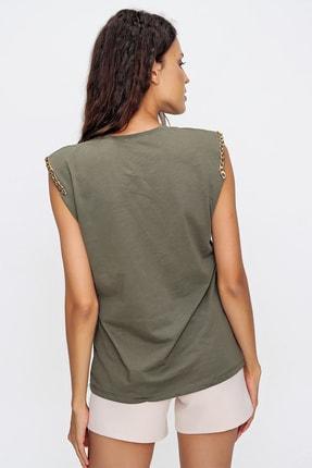 Trend Alaçatı Stili Kadın Haki Omuzları Aksesuarlı Kolsuz Bluz ALC-X6474 4
