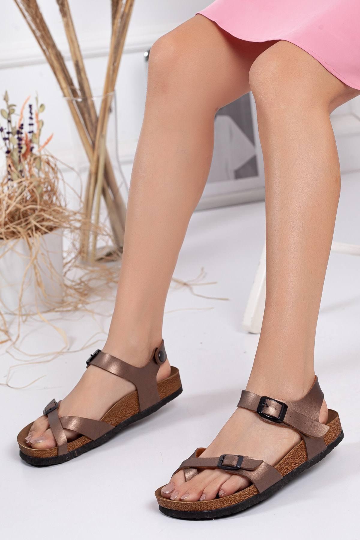 Kadın Bakır Parmak Arası Sandalet