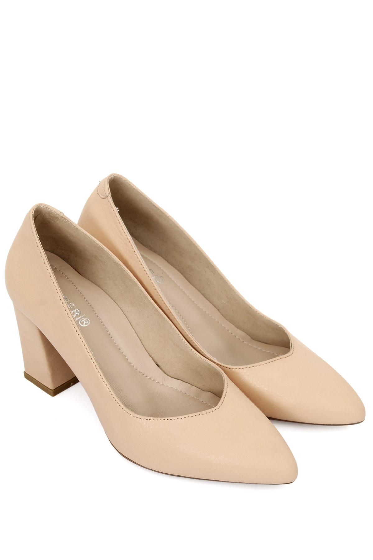 Hakiki Deri Ten Sivri Burun Yüksek Kalın Topuklu Kadın Ayakkabı 24171