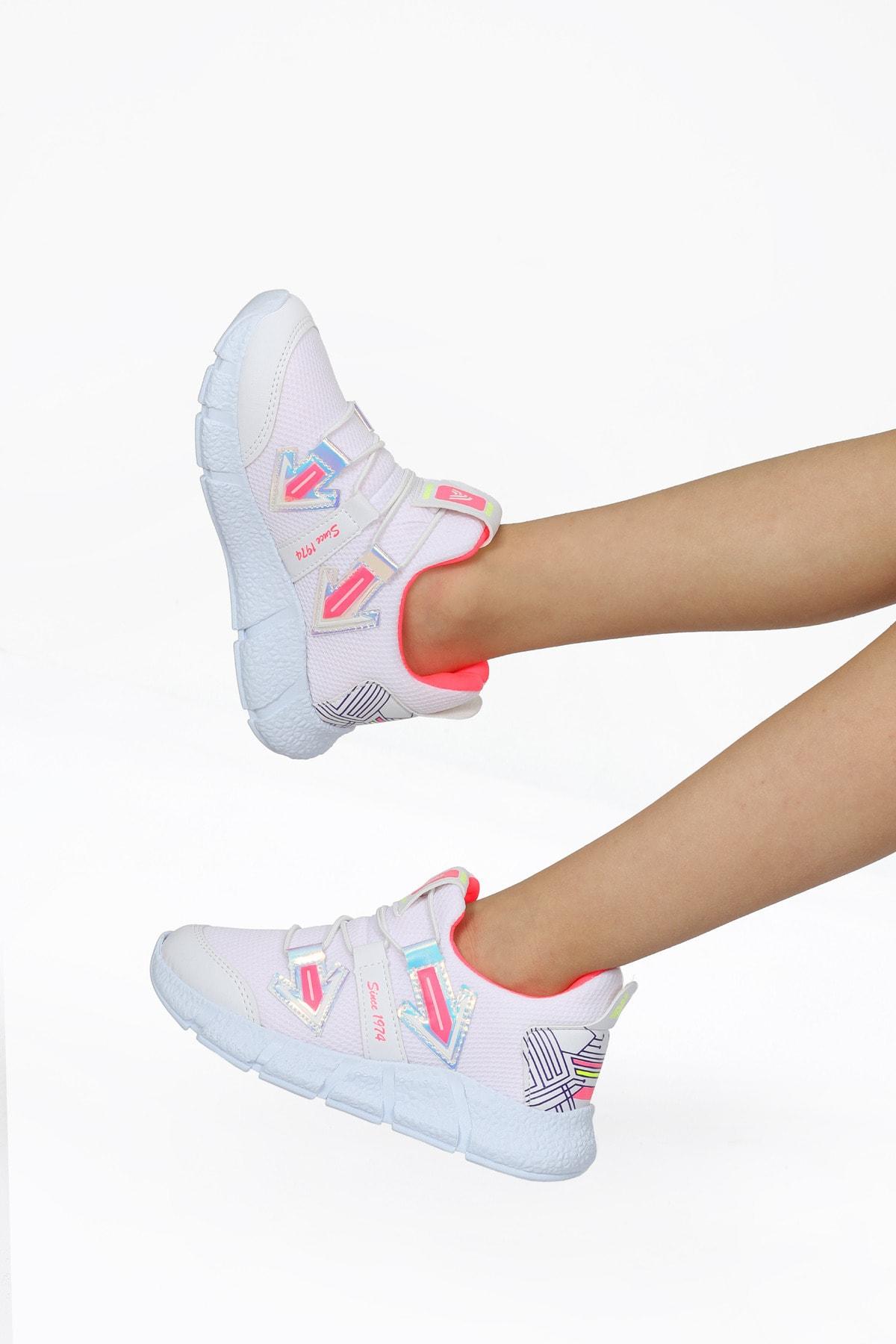Kız Çocuk Beyaz Bağcıksız Spor Ayakkabı