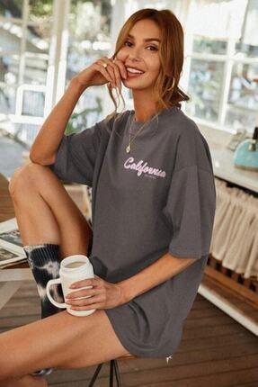 Millionaire Kadın Antrasit Oversize California Baskılı T-shirt 2